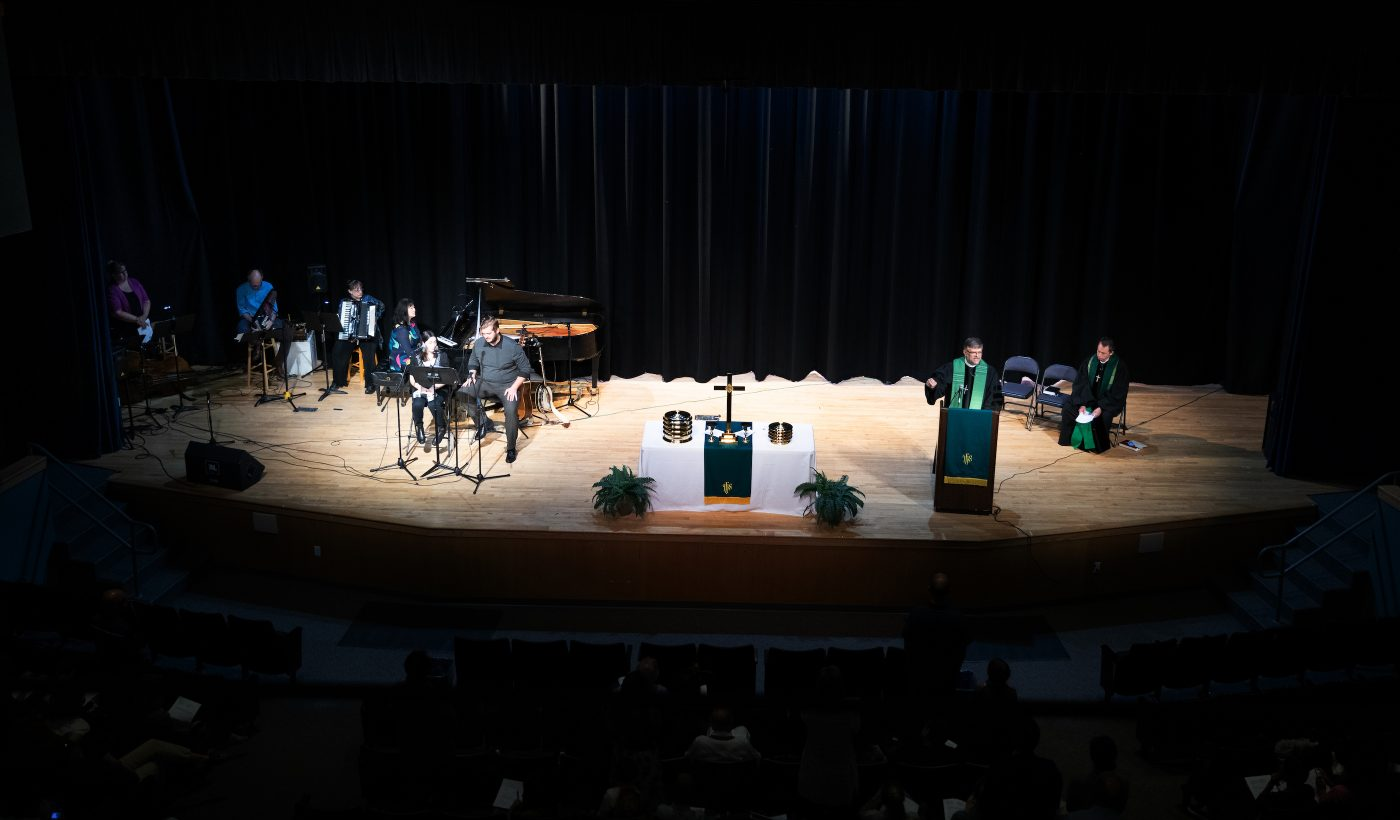 Sunday Worship</br>10am at Blind Brook</br> Middle/High School</br>Rye Brook, NY